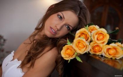 Розы девушки