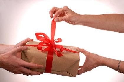 подарок женщине на 50-летие