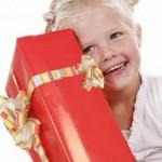 Первые подарки: что подарить девочке на 2 года