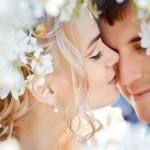 Подарок жениху от невесты на свадьбу: как удивить любимого